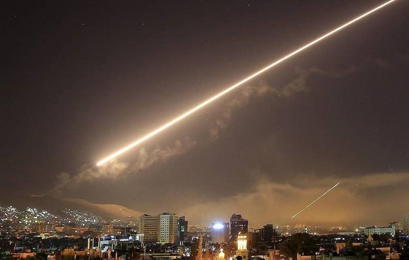 СМИ: ВВС Израиля нанесли ракетный удар по району Дамаска