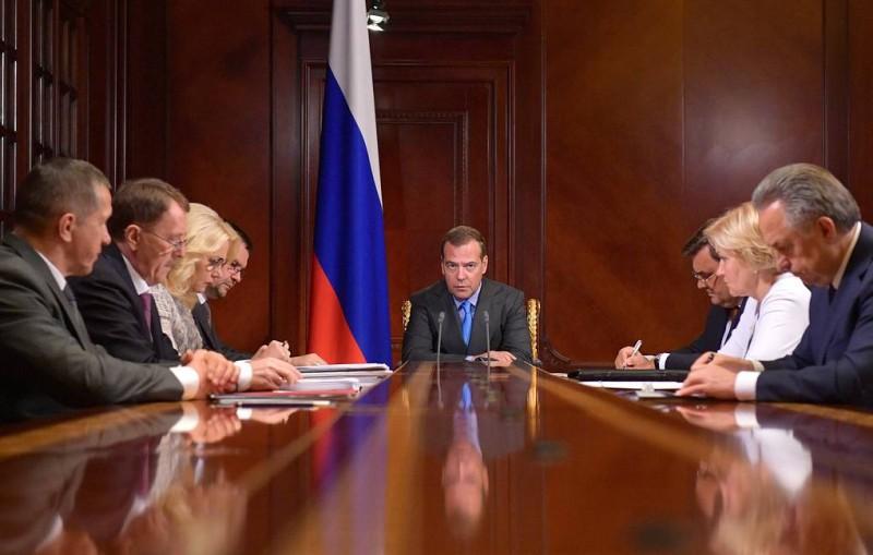Медведев поручил разобраться, кто дал разрешение на эксплуатацию лагеря в Хабаровском крае