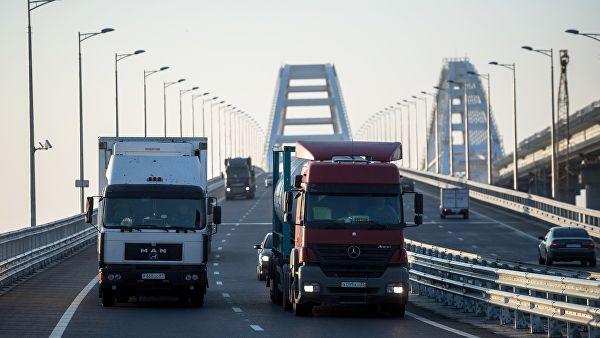 Госдума приняла закон о штрафах за нарушение режима труда водителей