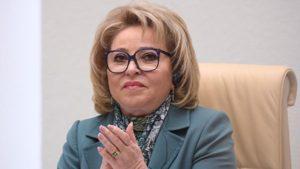 Новому президенту Латвии пришлось дважды повторить клятву на инаугурации