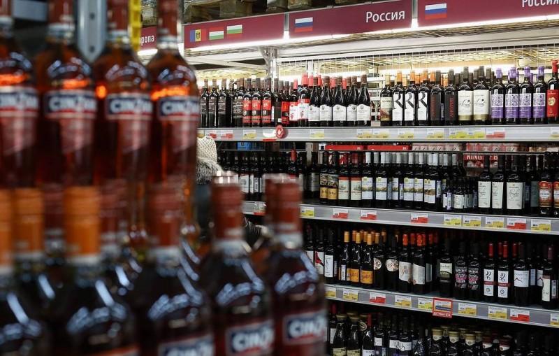 """""""Ведомости"""": правительство предлагает повысить акцизы на вино более чем на 70%"""