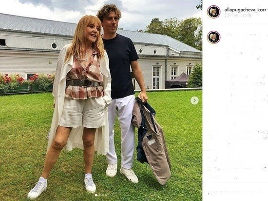 Пугачёва в мини-шортах изумила фанатов