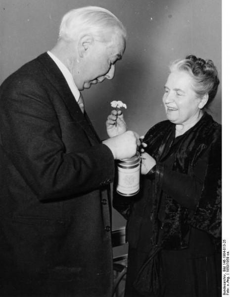 Как Брежнев флиртовал сженой канцлера: истории изжизни первых леди Германии