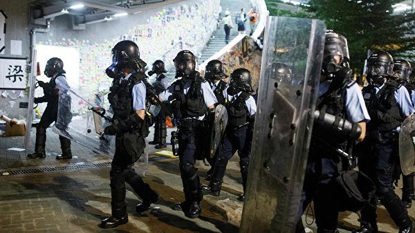Гонконгская полиция заявила, что расследует факты насилия в ходе протестов