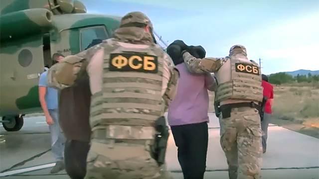 Видео: в Дагестане задержали чиновников, присвоивших выделенные на школы 240 млн