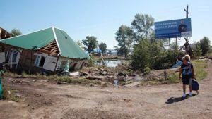 В Приамурье военнослужащие ВВО возводят дамбы от паводка