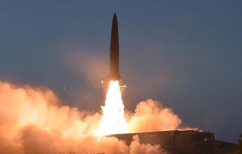 СМИ: КНДР провела запуск двух неопознанных снарядов с берега Японского моря