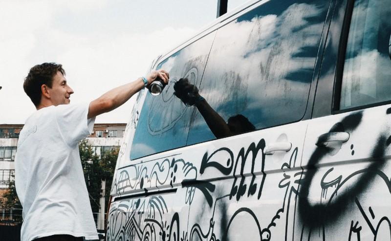 Уличный художник Вова Nootk— острит-арте, рекламных граффити изапретах властей