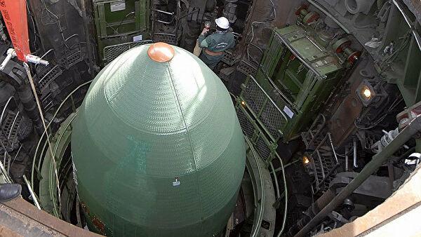 Коэн сравнил количество нестратегических ядерных боеголовок у России и США