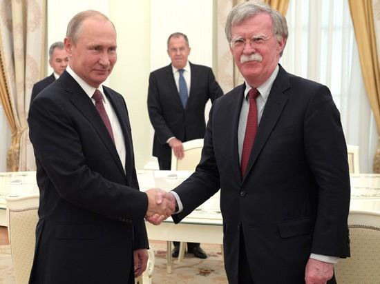 Болтон заявил, что Россия украла технологии гиперзвукового оружия у США