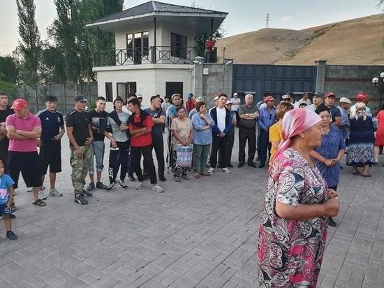 Киргизские СМИ сообщили о задержании Атамбаева