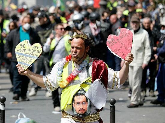 Особенности французского протеста: возбуждено 300 расследований действий полиции