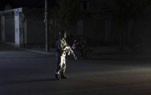 Беспорядки в Ингушетии продолжились: силовики братаются с протестующими