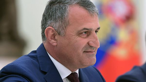 Президент Южной Осетии заявил, что республика должна войти в состав России