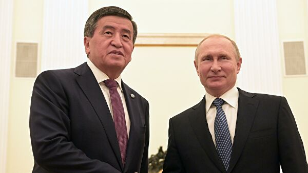 Путин поздравил Жээнбекова с Днем независимости Киргизии