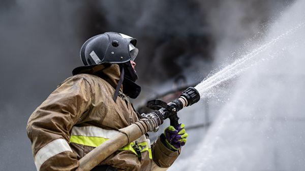 На севере Москвы локализовали пожар в ангаре