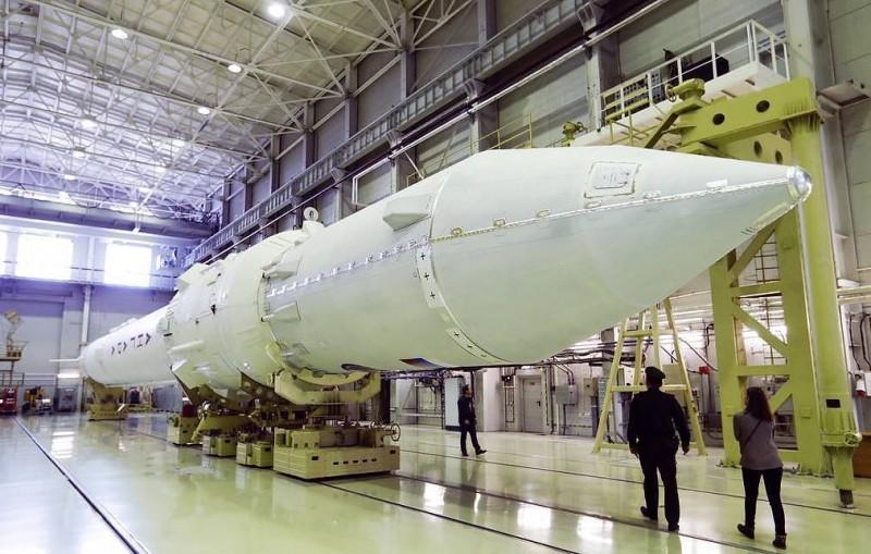 """Борисов заявил, что ракета """"Ангара"""" не соответствует требованиям Минобороны"""