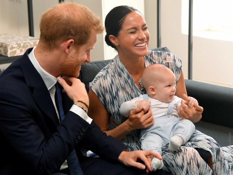 «Вкаждом объективе отражение матери». Принц Гарри пытается защитить семью отпрессы