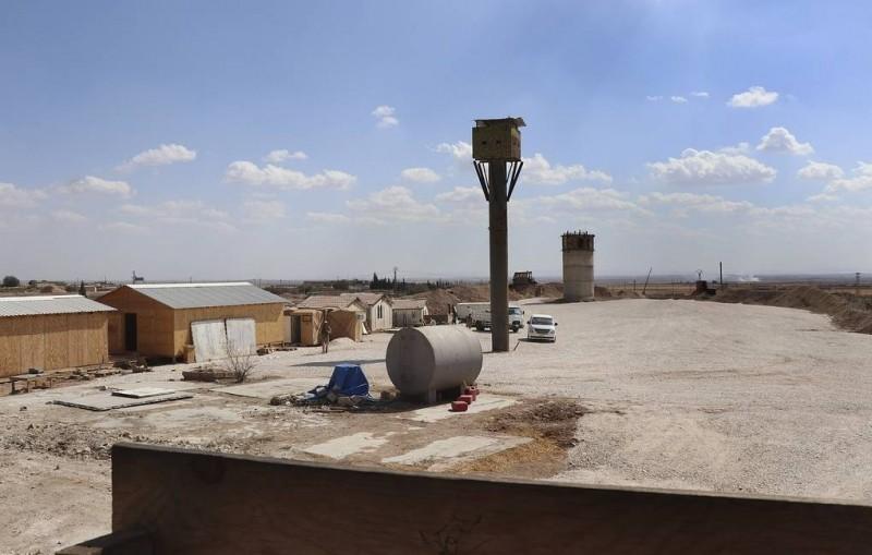СМИ: военные США разрушили в Сирии свою базу с полосой для транспортных самолетов