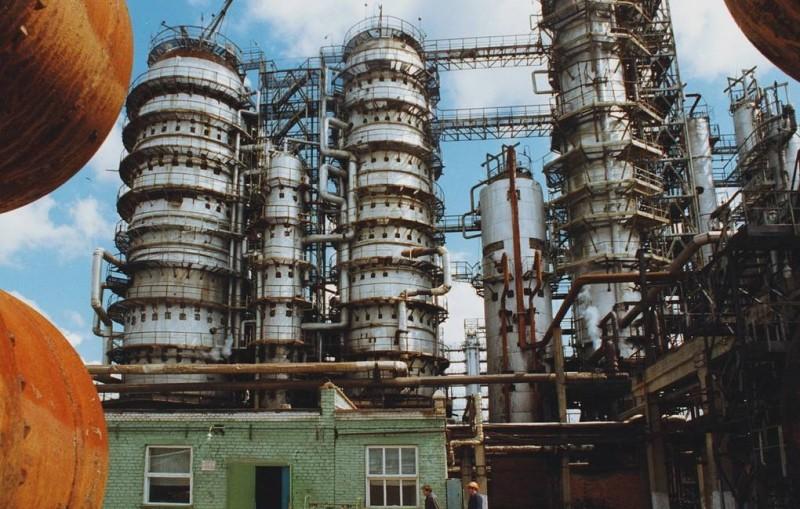 Семь человек отравились во время ремонтных работ на Орском нефтеперерабатывающем заводе