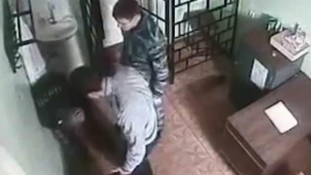 ФСИН будет добиваться наказания для начальника колонии, избившего зэка