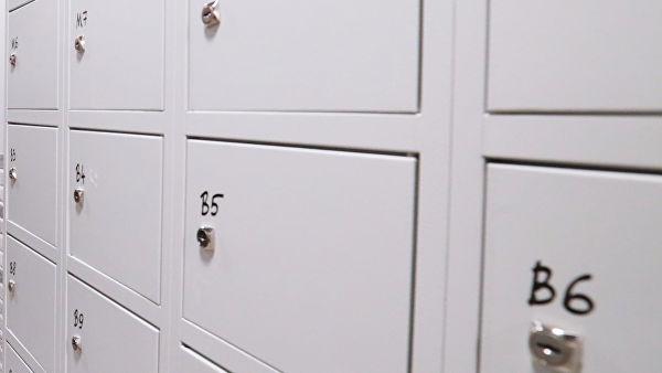 На Кубани ребенка закрыли в камере хранения в ТЦ