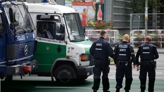 Стрелявшие в Галле заложили взрывное устройство перед синагогой