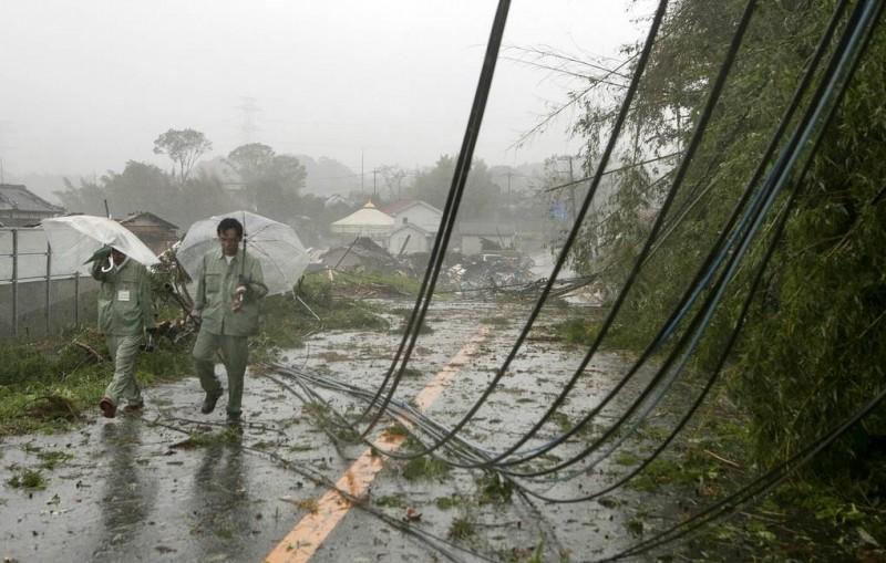 """После удара тайфуна """"Хагибис"""" погибли 14 человек"""