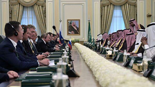Путин обсудил в Саудовской Аравии военно-техническое сотрудничество