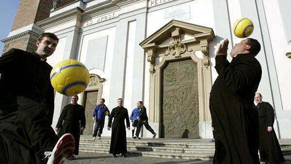 РПЦ преодолела спор вокруг храма в Пушкино, оборудовав футбольное поле