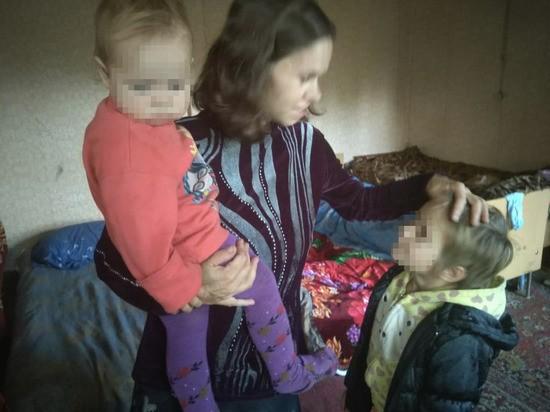 """""""Как монстры"""": Органы опеки загнали нищую многодетную семью в глухомань"""