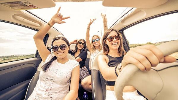 Туристы рассказали, как часто они путешествуют на автомобиле