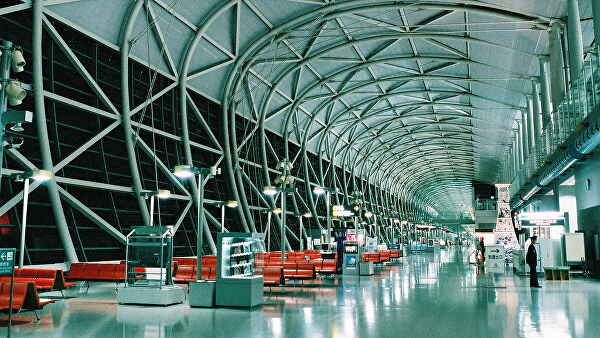 СМИ: ВПП в аэропорту в Японии больше часа была закрыта из-за дрона