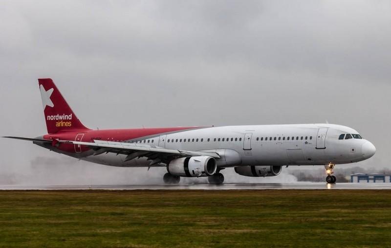 Летевший из Москвы самолет Nordwind совершил жесткую посадку в Анталье