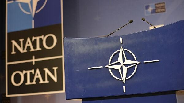 Генерал НАТО обвинил Россию в преследовании американских спутников