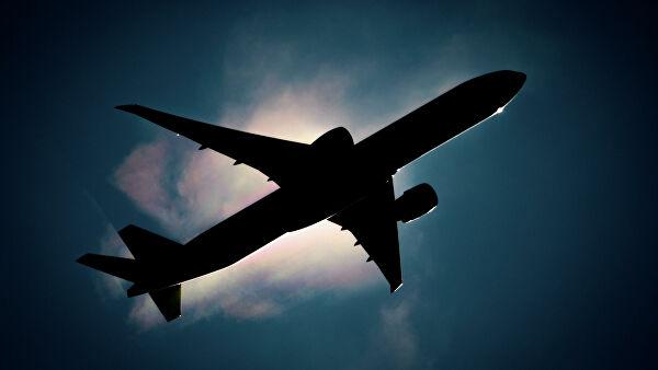 Китай потребовал от местных авиакомпаний не прерывать авиасообщение