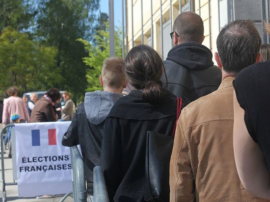 Во Франции из-за коронавируса изменили избирательную процедуру